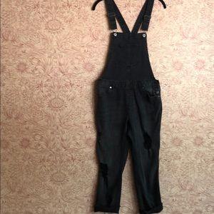 Love Tree Black distressed skinny overalls small
